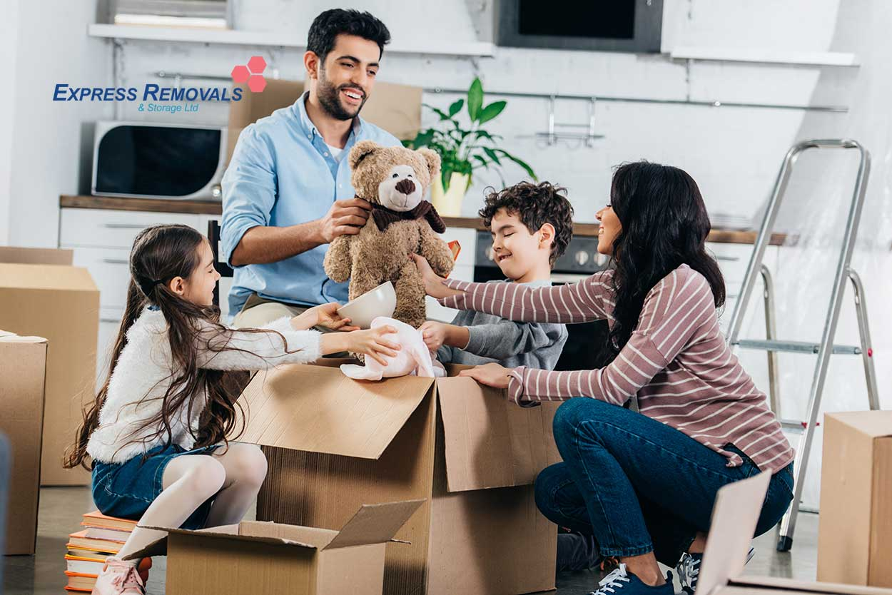 Top-Tips-For-Moving-House-With-Children